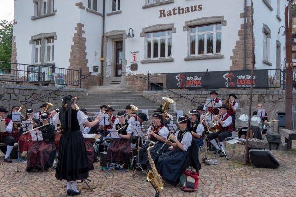 Kurkonzert Dorfplatz